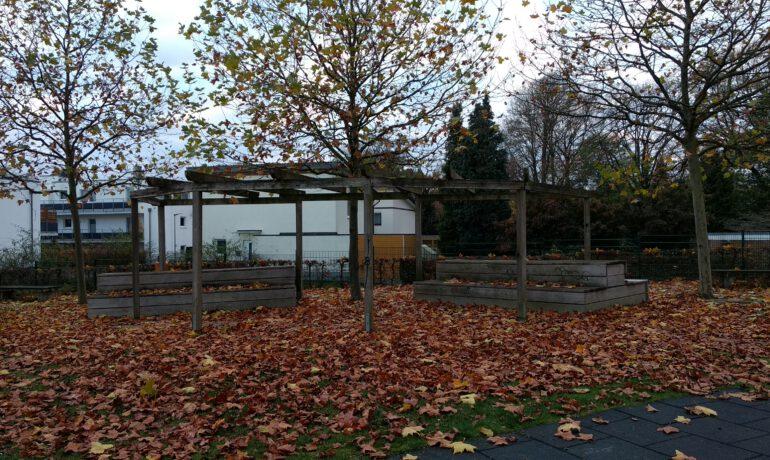 Neues Projekt: Überdachung der Sitzecke im Generationenpark